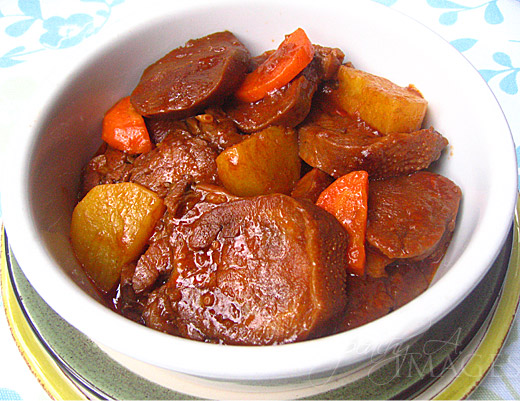 Lengua Estofado  (Ox's Tongue in Tomato Sauce)