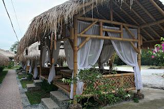 Desain restoran bambu