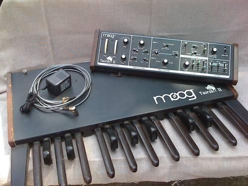 matrixsynth moog taurus ii bass synth. Black Bedroom Furniture Sets. Home Design Ideas