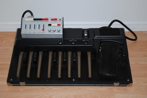 matrixsynth crumar omb 2 analog synth bass pedal drum machine. Black Bedroom Furniture Sets. Home Design Ideas