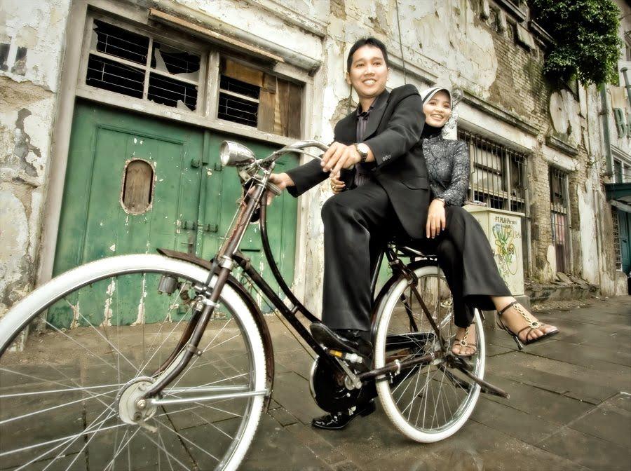 WEDDING DETAILS: Jadikan Tema Foto Pre Wedding Anda Berkesan