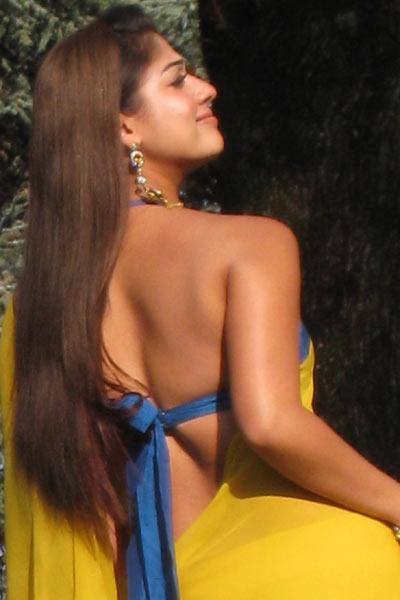 Hot Film Actress Gallery Sexy Nayanthara Hot Backless -4669