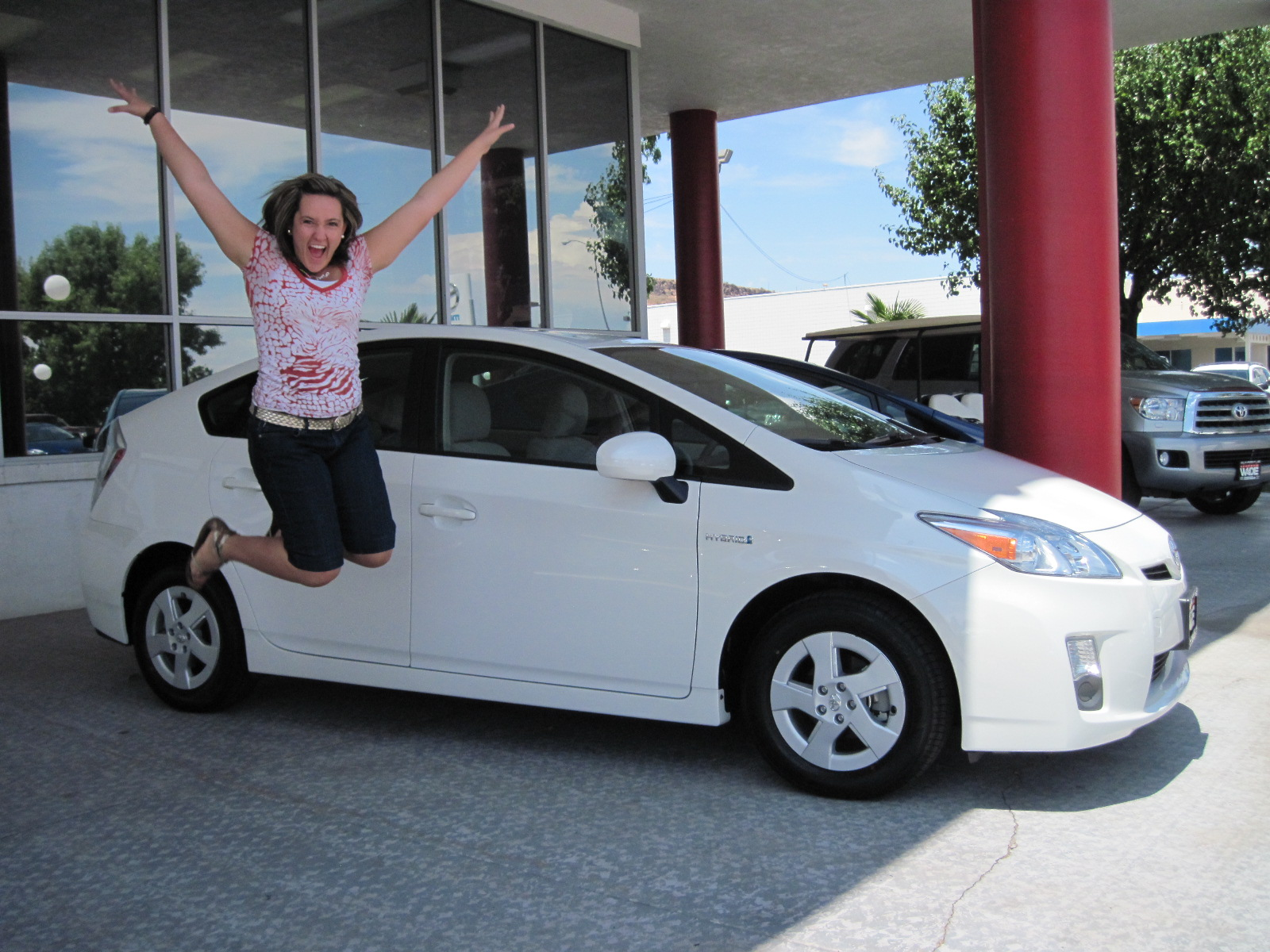 Oh What A Feeling The Judd Family Loves Their New Toyota Prius