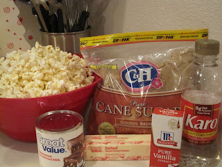 Caramel Popcorn is buttery popcorn covered in a homemade caramel. Life-in-the-Lofthouse.com