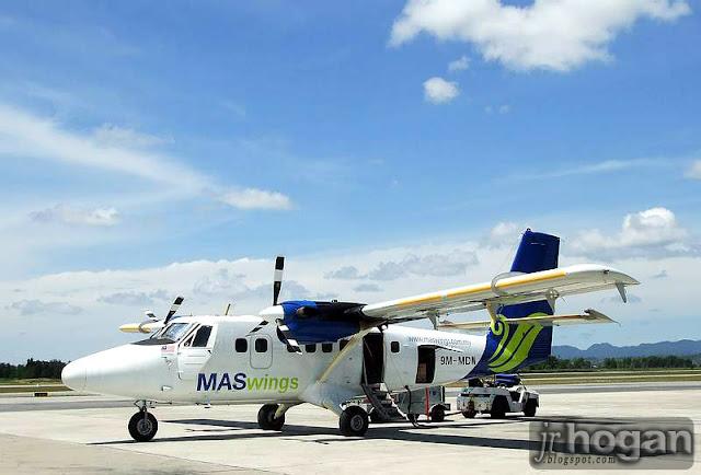 MasWings Fokker 50 Plane