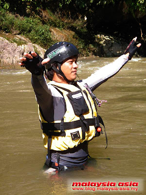 Kampar White Water Rafting Picture