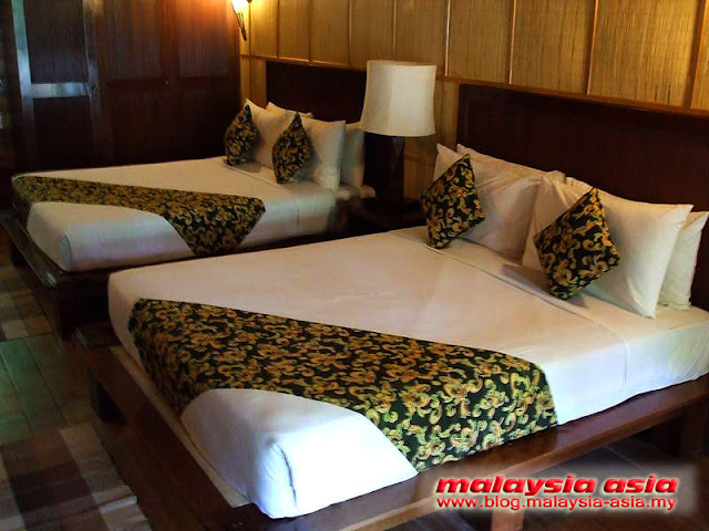 Room at Manukan Island Resort