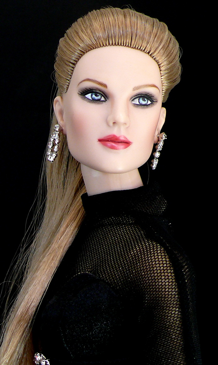 blonde bombshell canary hair eyes cute pink close dollmino smoky wheat pearly lips shade steel very