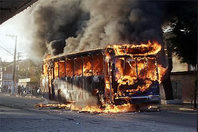Resultado de imagem para fotos de violencia urbana