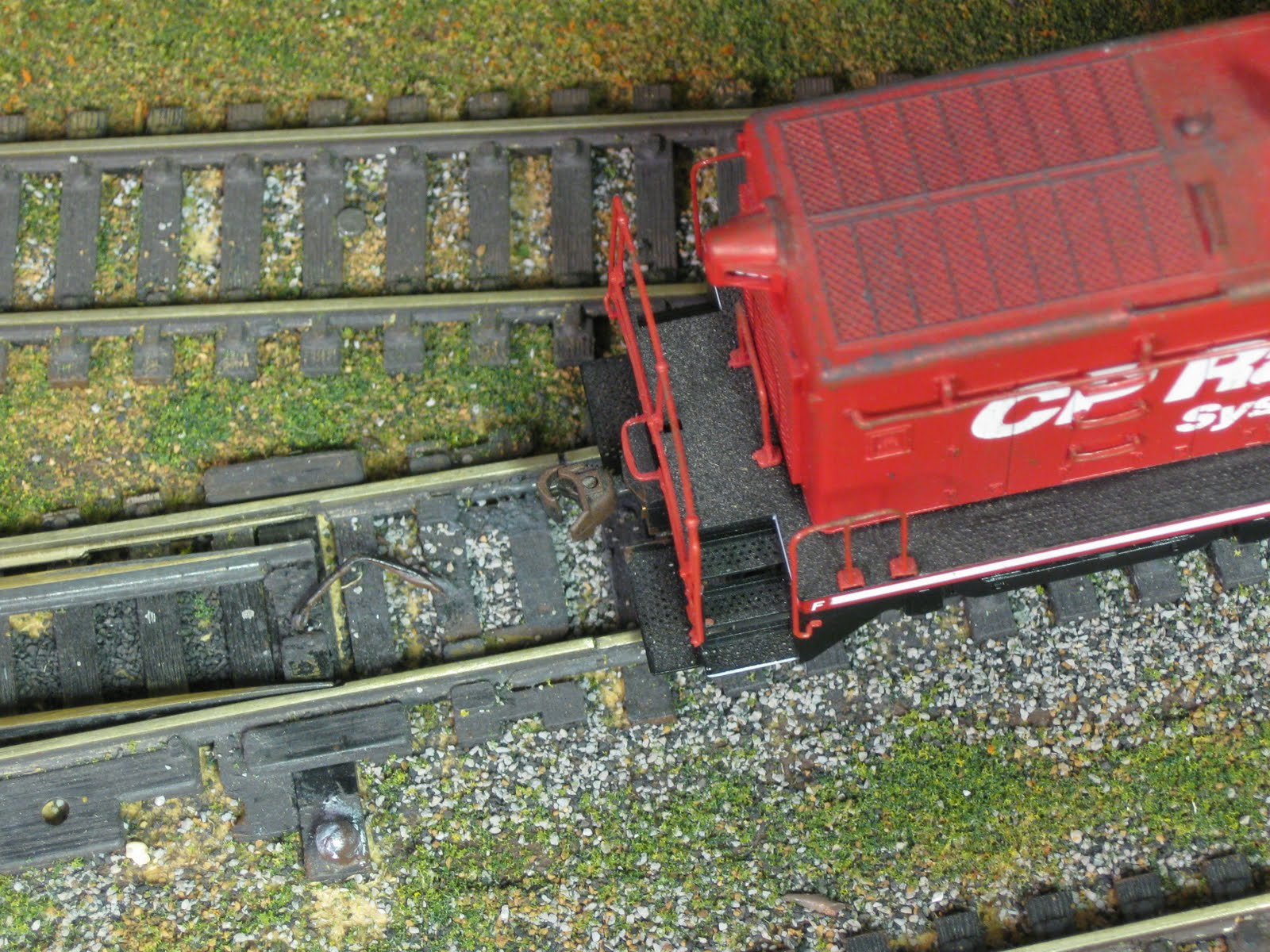 How Do You Activate Your Turnouts Model Railroader Magazine Two Circuits Railroading All