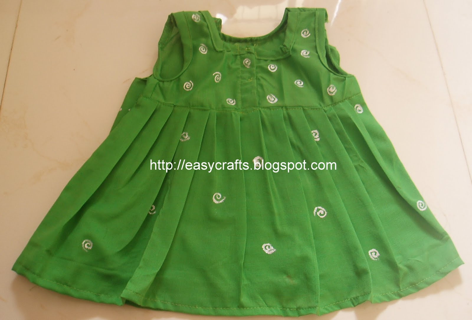 2b46fbb4a582 Easy Crafts - Explore your creativity  New born - 6 months baby frock