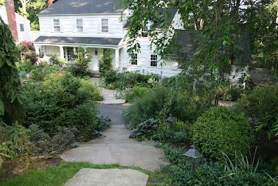 heirloom gardener: Front Yard Gardening Design Challenge ... on Downward Sloping Garden Ideas id=92938