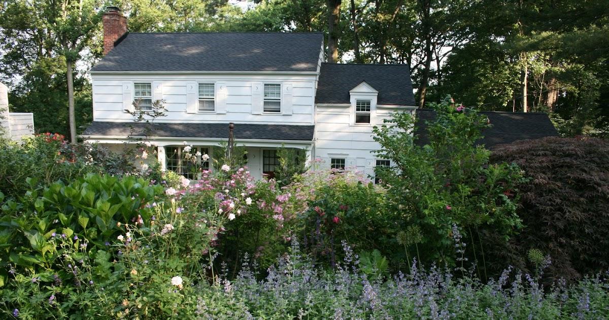 heirloom gardener: Front Yard Gardening Design Challenge ... on Downward Sloping Garden Ideas id=85612