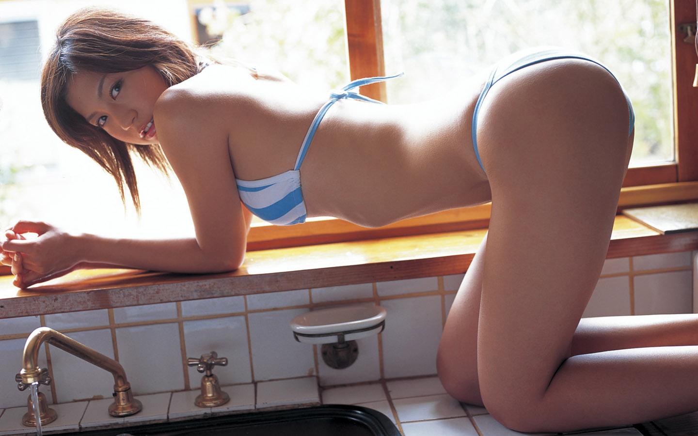 Paris hilton nude lesbian