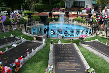 Ron Roamed Elvis Presley' Grave