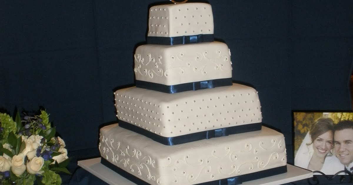 how much do wedding cakes weigh it s a of cake silver amp blue wedding cake 15466
