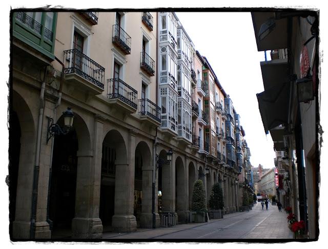Un paseouna foto Aprovechando que el Ebro pasa por