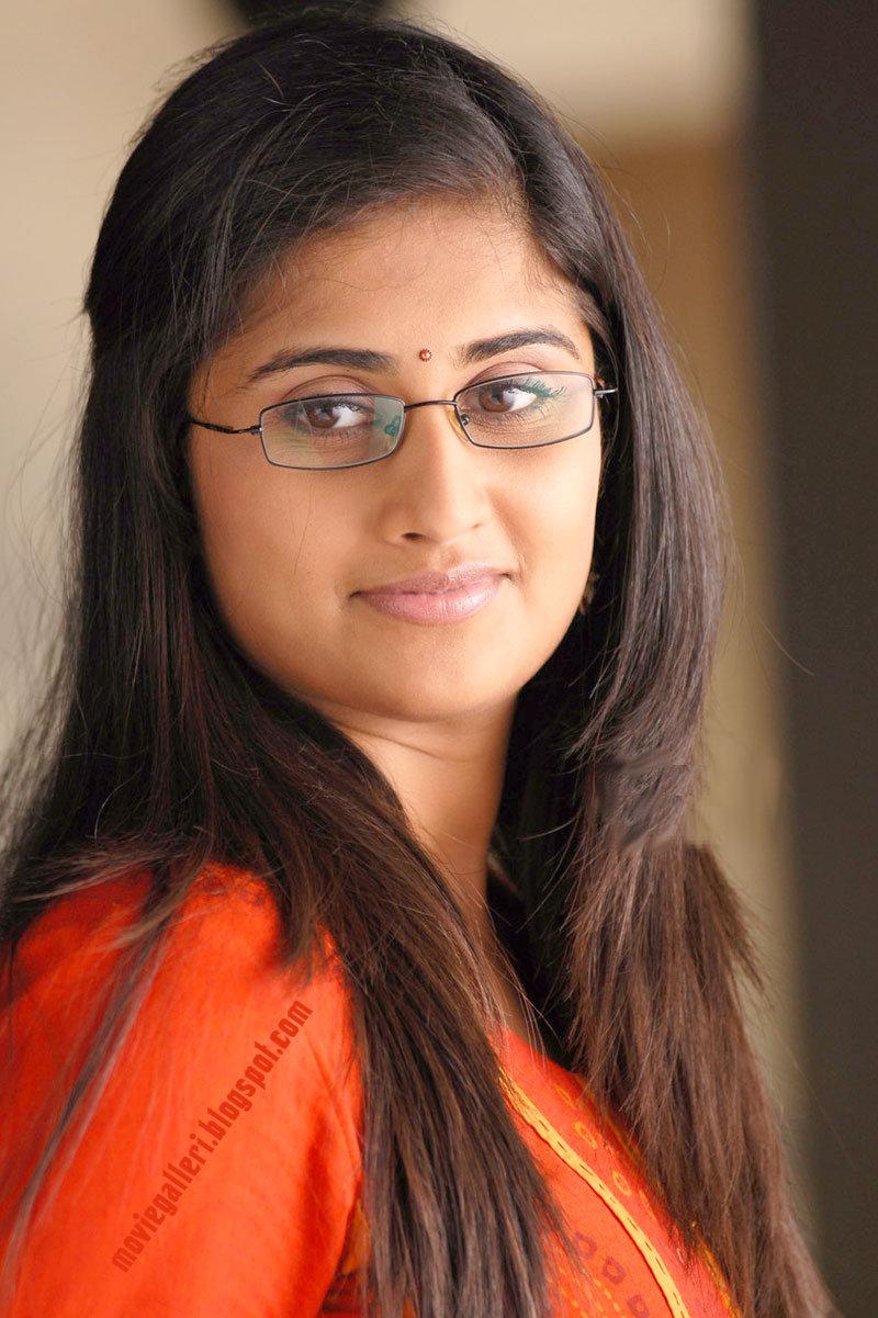 Rajput Girl Wallpaper Shamili In Oye Movie Hq Wallpapers Photo Gallery Stills