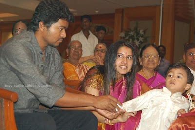 Actor Vijay Family in Vikranth Marriage Stills Photos ...