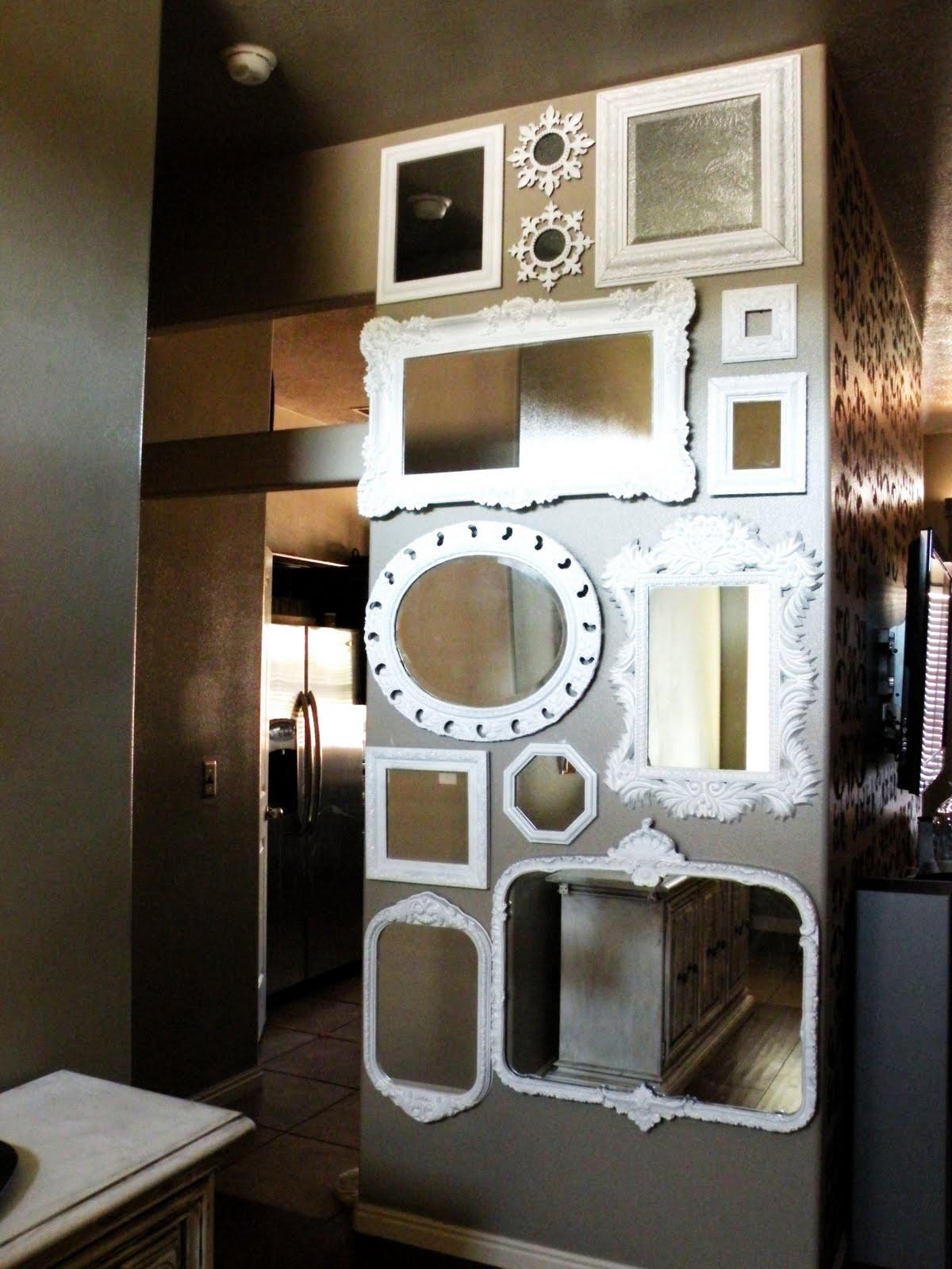 http://2.bp.blogspot.com/_schtd5RphwI/TFimReW-9jI/AAAAAAAABkw/tYX8dzXRf6s/s1600/Wall+O+Mirrors.jpg