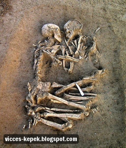 7e6d7427d3 Vicces képek oldala: Szerelmes csontvázak
