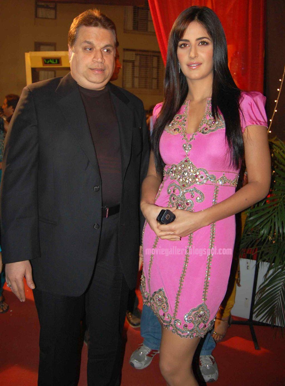 Film Actress Photos Katrina Kaif Sexy Thigh Show In Pink -1059