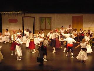 El Grup de Danses i Cançons de Castalla estrena bloc