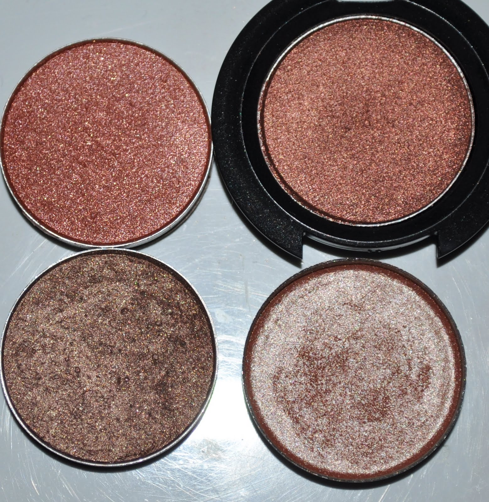 Mac Antiqued Eyeshadow Traffic Club