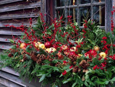 Willow Decor: Creating Holiday Window Boxes