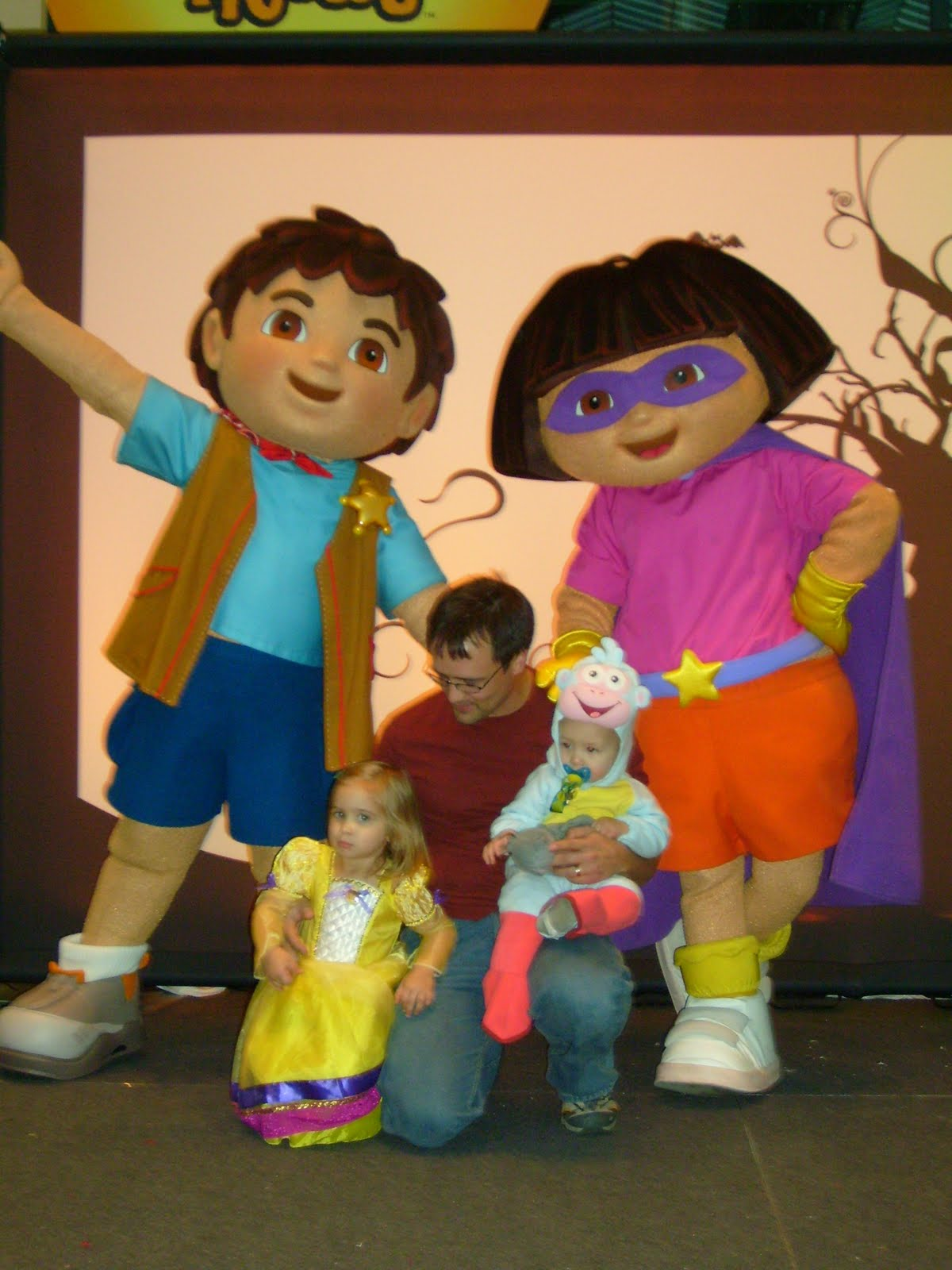 how did dora and boots meet