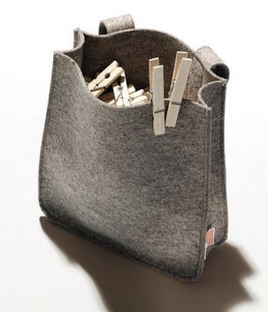 felt clothespin holder with wooden clothespins