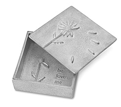 pewter box with daisy and words He loves me