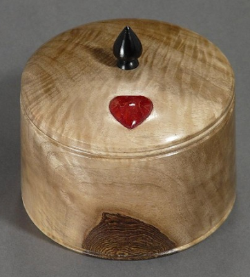 wood - English walnut - treasure box with little red heart on lid