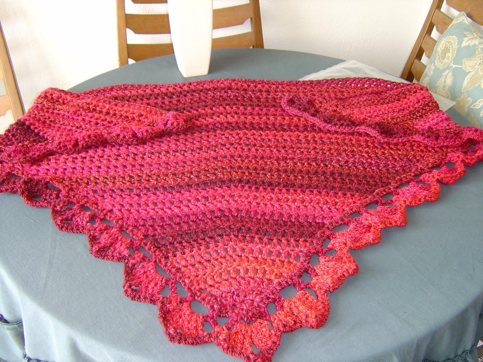 Enthusiastic crochetoholic: Easy Triangular Crochet Shawl