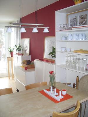 anupa endlich eine rote wand. Black Bedroom Furniture Sets. Home Design Ideas