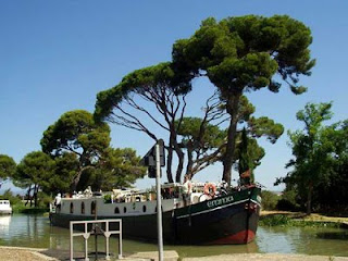 French Hotel Barge EMMA - Canal du Midi, Provence & Camargue, FRANCE - Book with ParadiseConnections.com