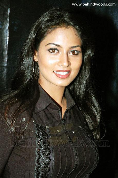 Beautifull South Indian Actress Pooja