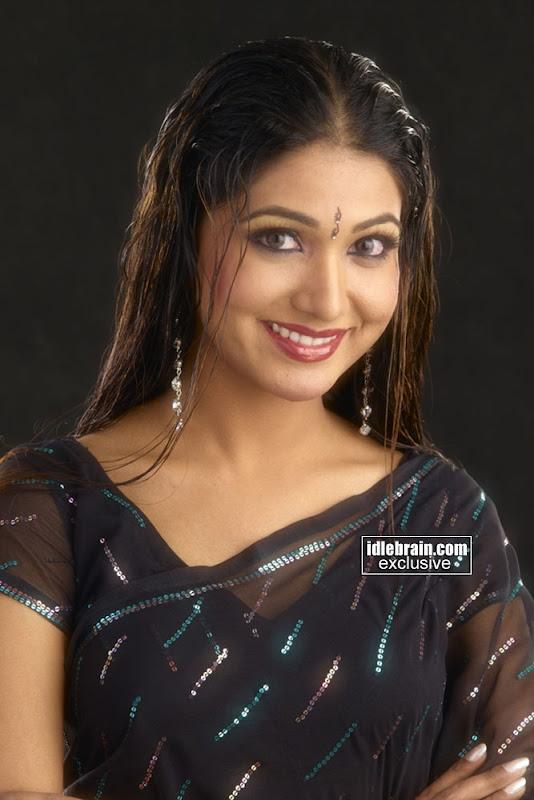 Beautifull   Tamil Hot Actress   Priya Mohan