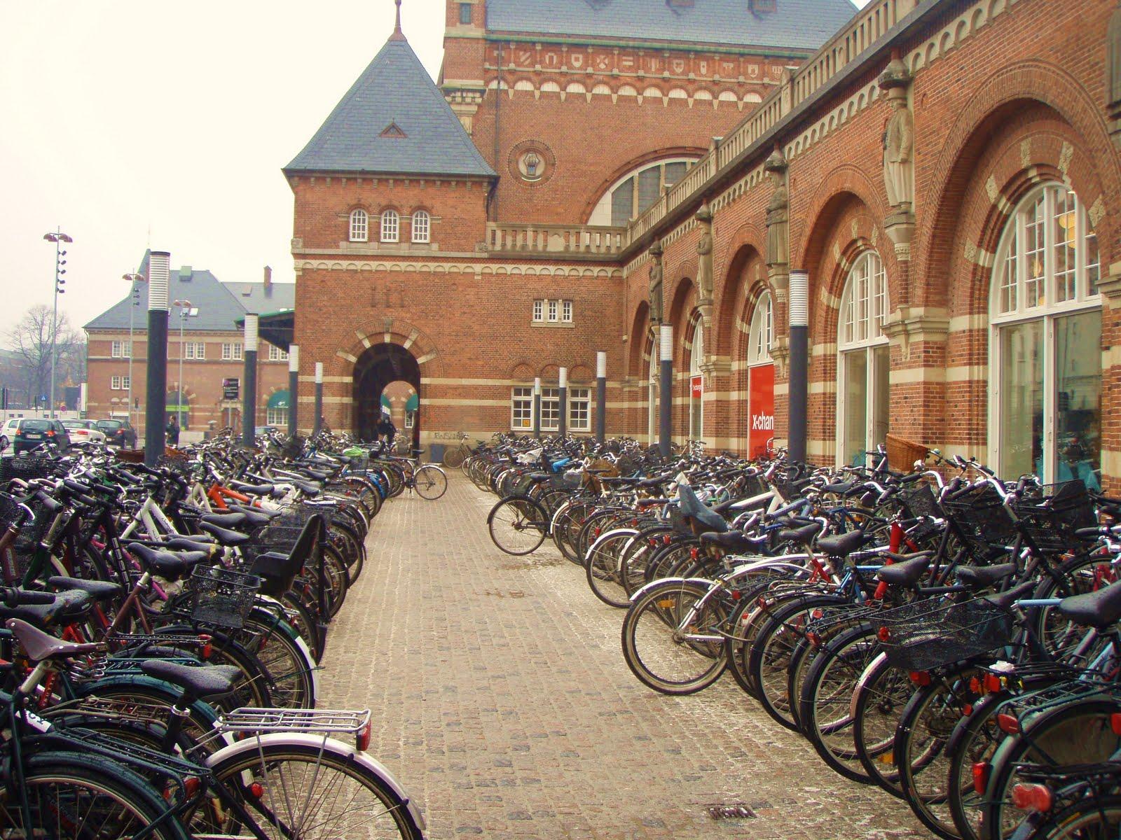 Bike Parking At Euston Station London Bike And Sporty