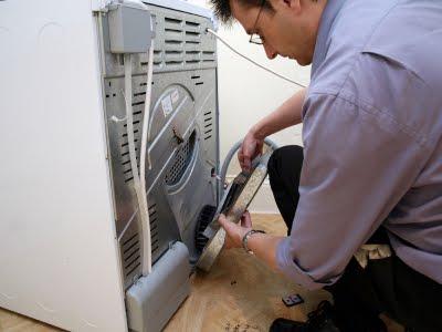 problemi con la lavatrice smontare un manicotto sostituire l 39 elettrovalvola casa servizi. Black Bedroom Furniture Sets. Home Design Ideas