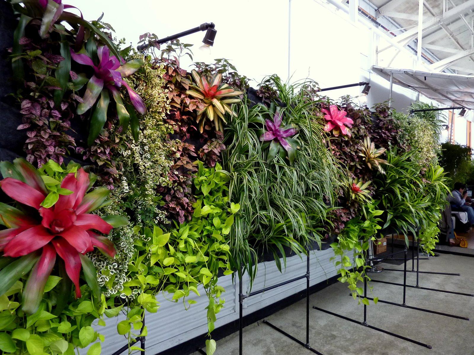 plants on walls vertical garden systems september 2010. Black Bedroom Furniture Sets. Home Design Ideas
