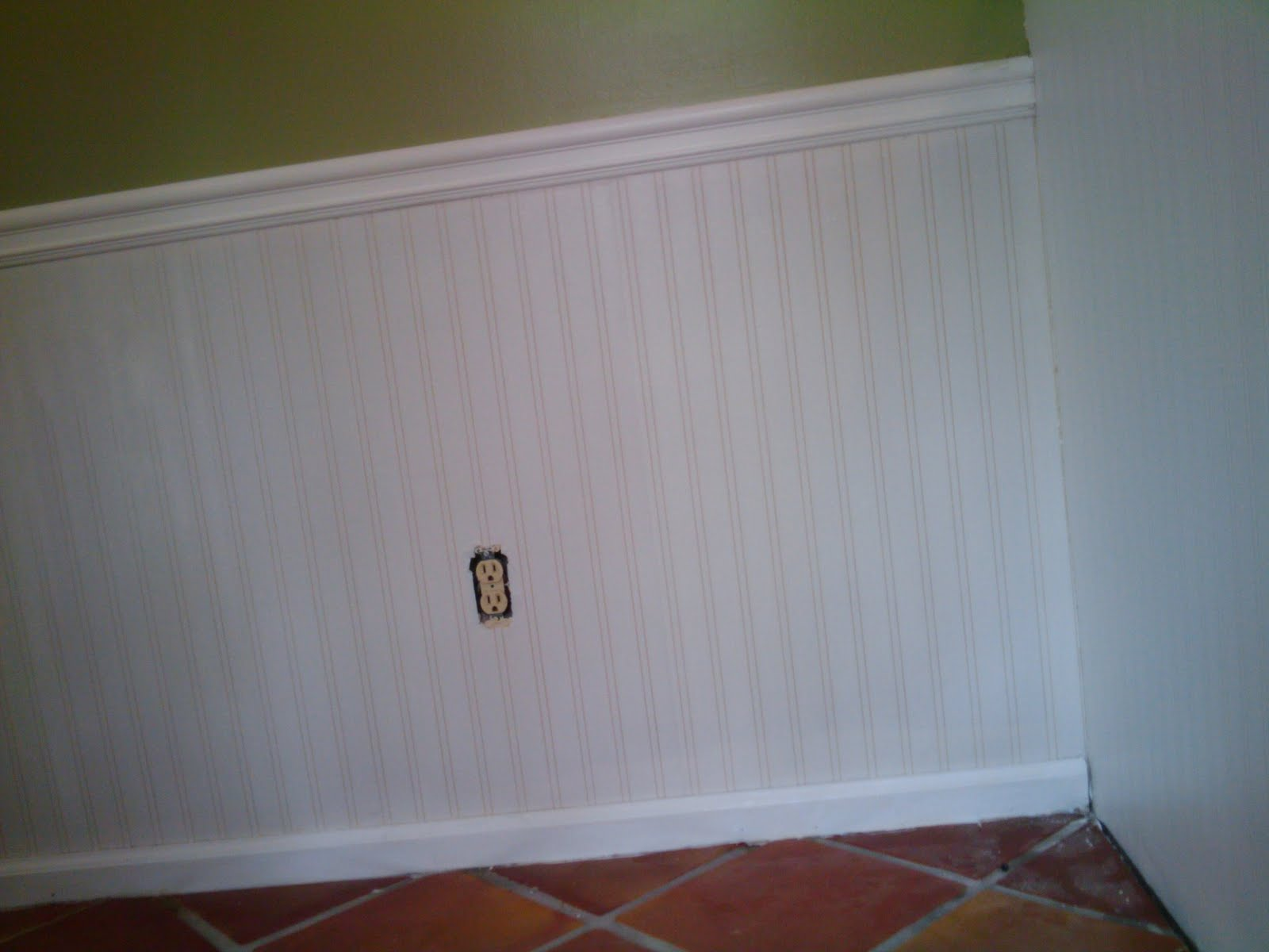 wallpaper for kitchen walls refacing cabinets beadboard