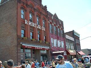 detroits historic eastern market - 320×240