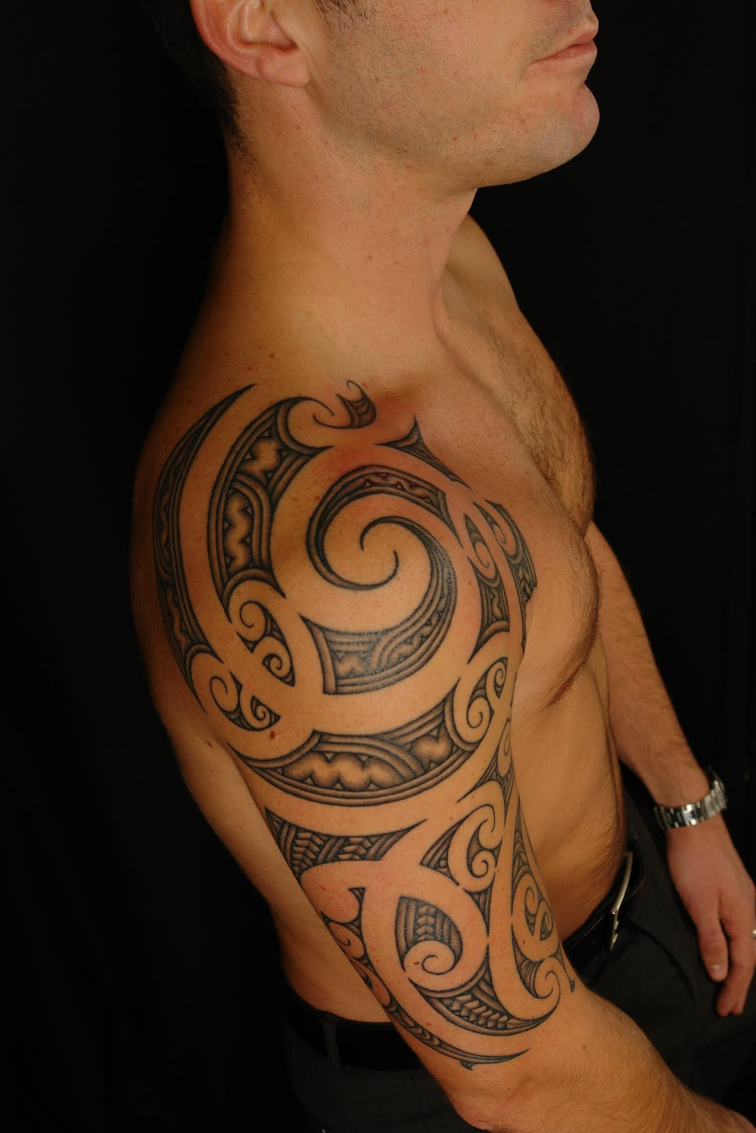 SHANE TATTOOS: Maori Shoulder On David
