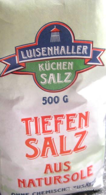 Luisenhaller Salz für eine ganze Lachsseite am Stück mit Fenchel und Orangen-Olivenöl (Agrumato) aus dem Backofen in Alufolie/im Bratschlauch gegart  | Arthurs Tochter kocht von Astrid Paul. Der Blog für Food, Wine, Travel & Love