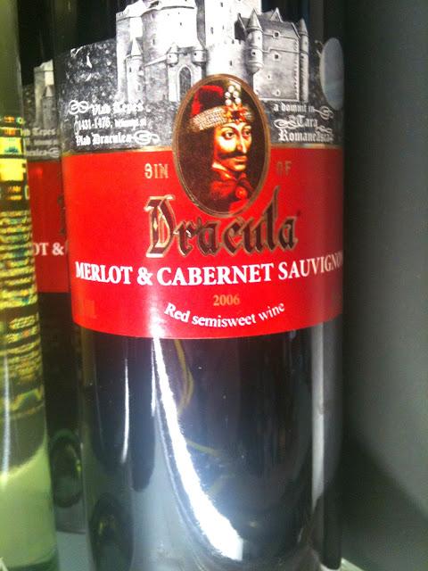 Dracula-Wein am Flughafen in Rumänien. | Arthurs Tochter kocht von Astrid Paul. Der Blog für Food, Wine, Travel & Love