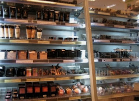 Witoxicity: Beauty Shopping In The Netherlands: Departmental