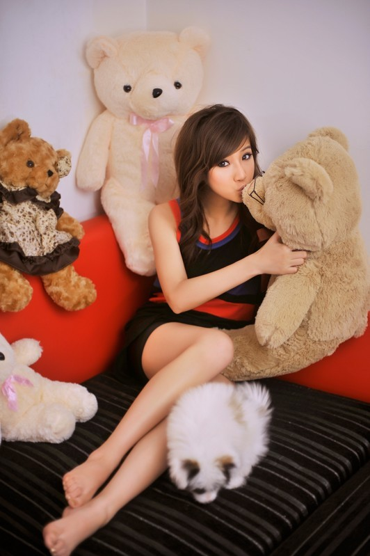 Asian Hot Celebrity Cute Face And Lovely Smile Girl