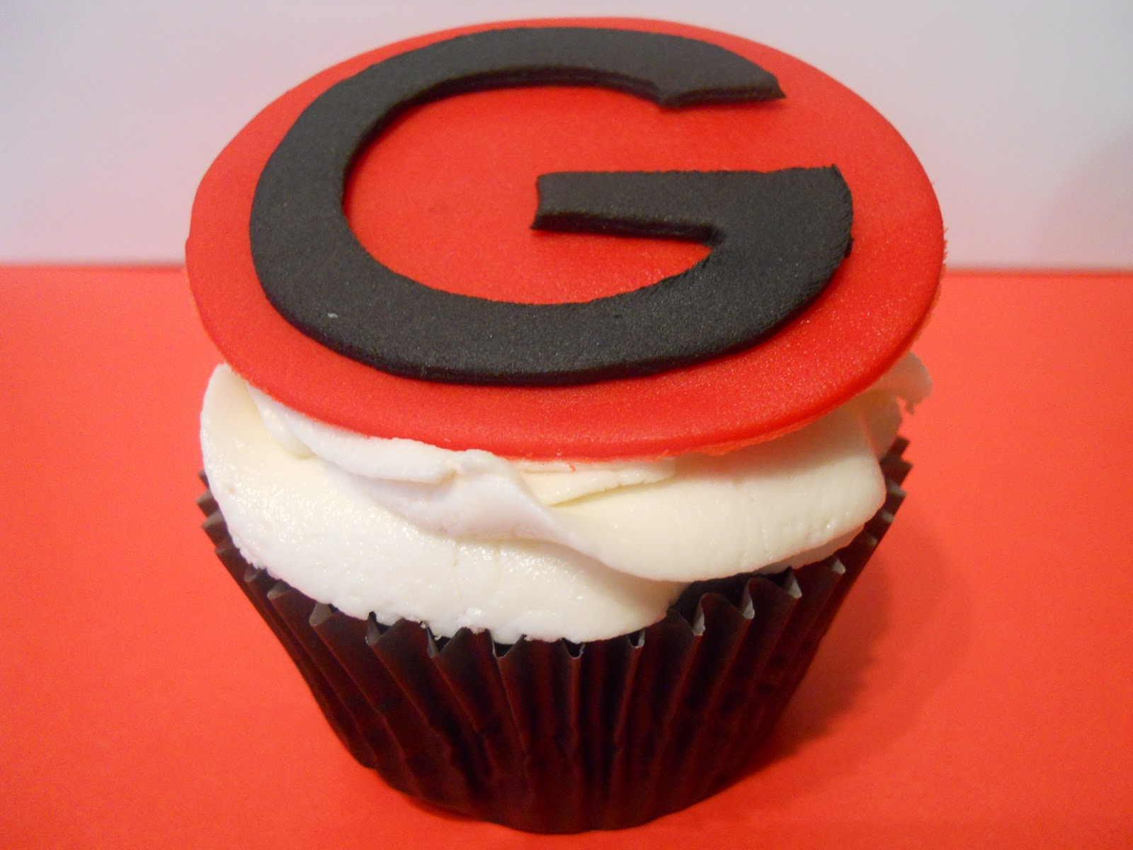 georgia bulldog cupcakes posh cupcakes georgia 25th birthday cupcakes 5591