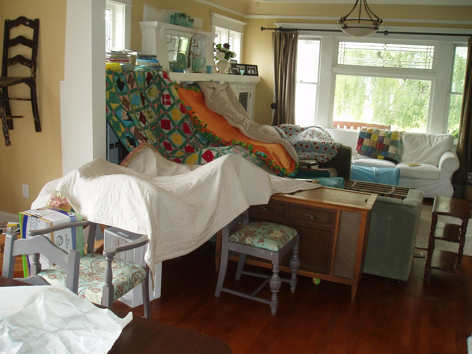 An Awesome Living Room Fort From Girls Are Smarter Than You Blog